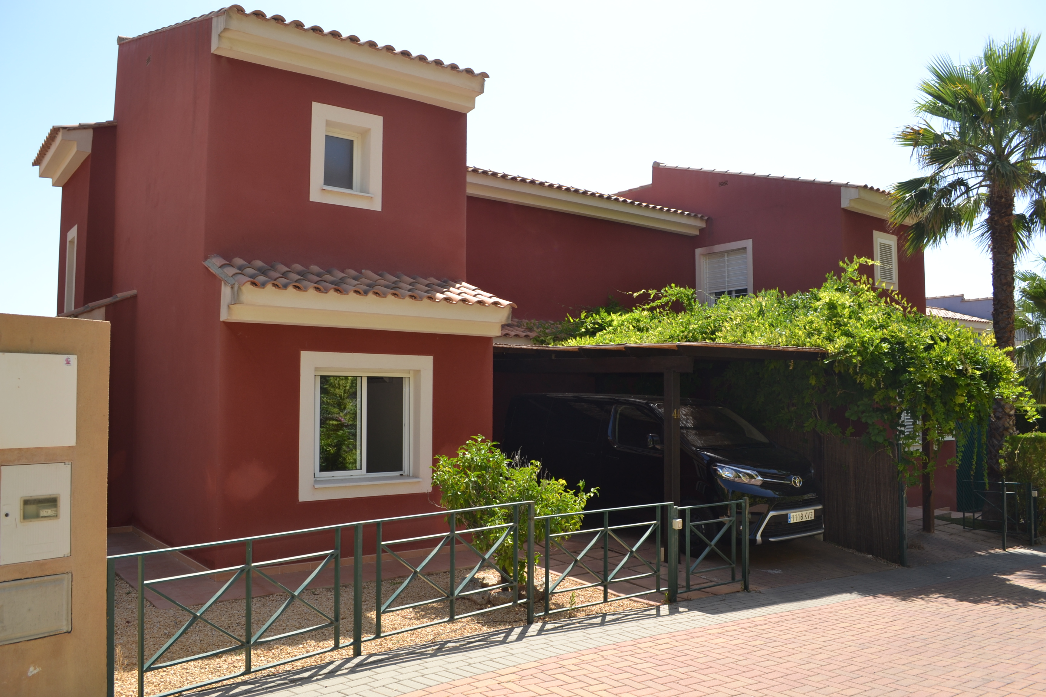 Large semidetached in Polop Paradise