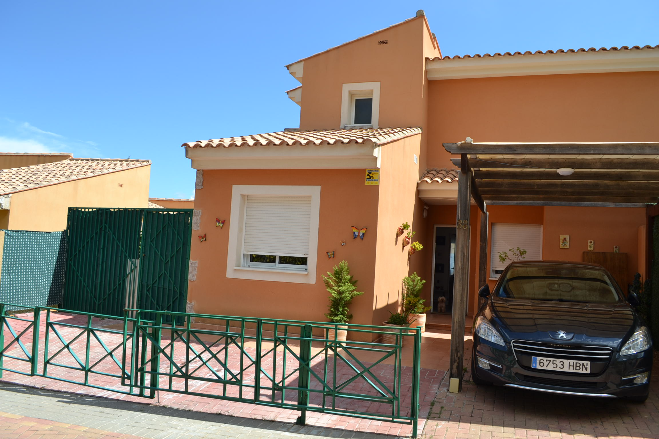 Large house, guest apartment, great views, security.